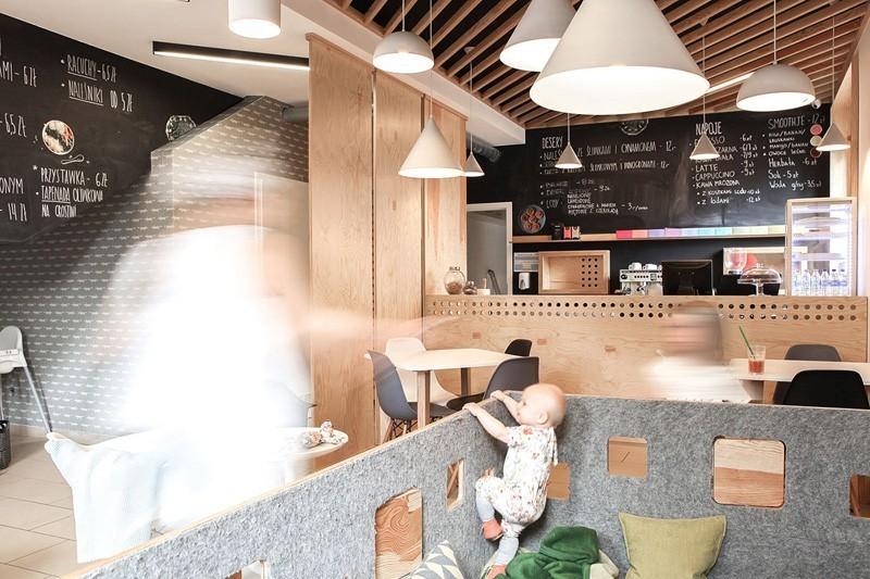 modern-family-cafe-2