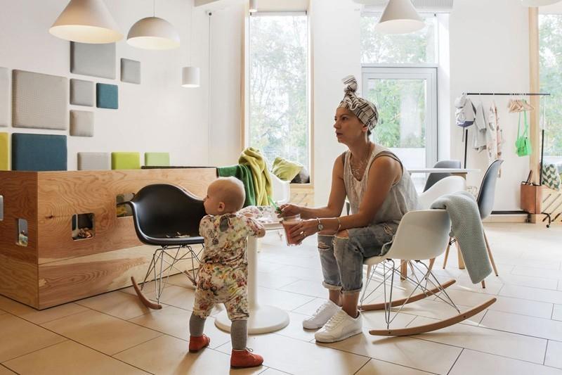 modern-family-cafe-4