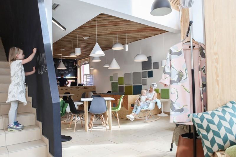 modern-family-cafe-6