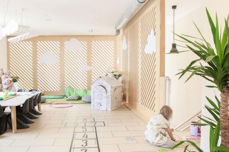 modern-family-cafe-8