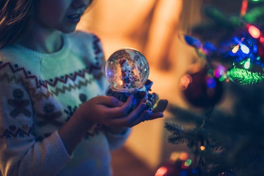 Little girl waiting for Christmas