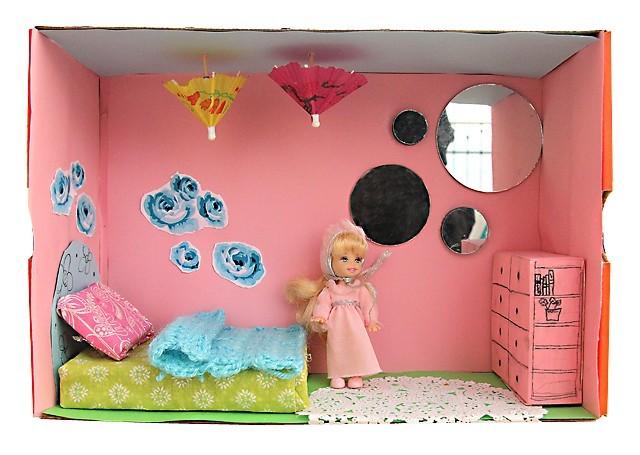 10_doll-house