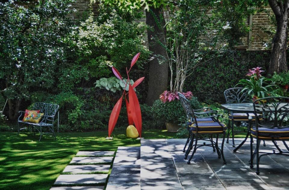Colorful-Private-Garden-Retreat-5.jpg