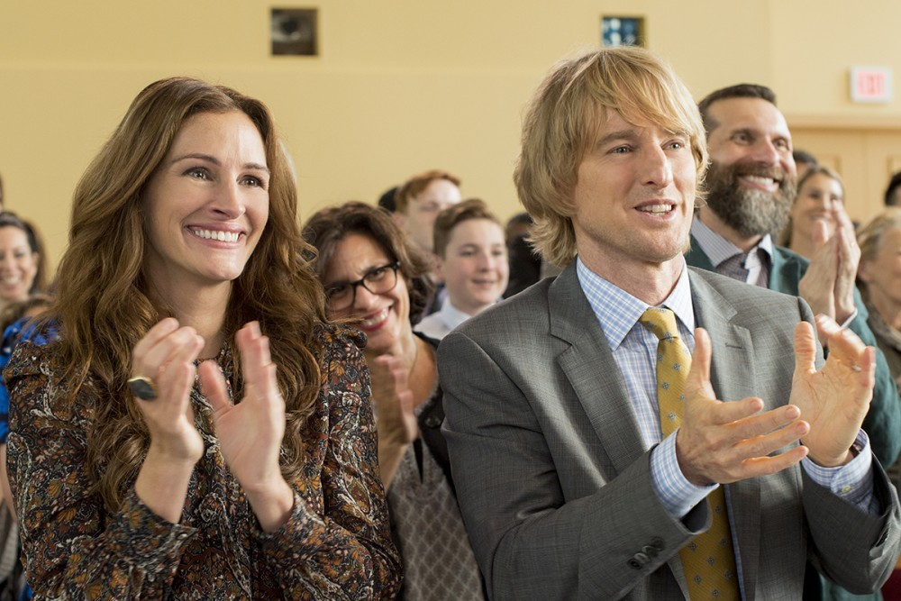 "Julia Roberts as ""Isabel\"" and Owen Wilson as \""Nate\"" in WONDER."