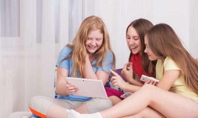 Adolescentele. Ce le crește încredere în ele?