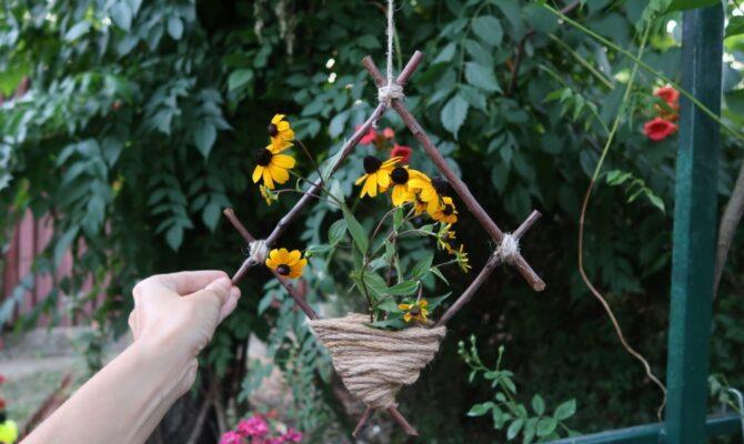 DIY – Suport rustic pentru flori