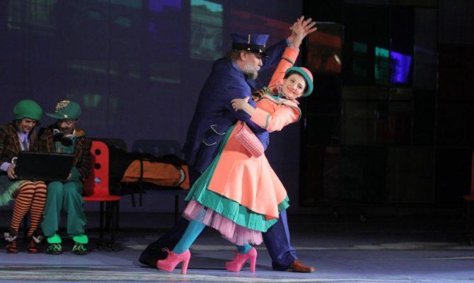 7 zile cu Festivalul International de Teatru 100, 1.000, 1.000.000 de povești