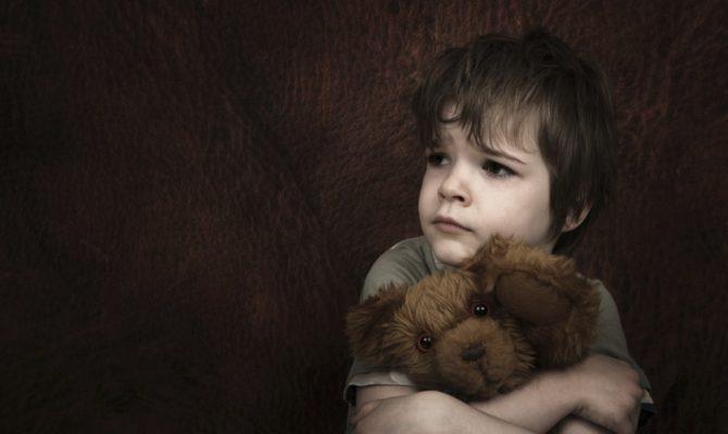 Frica copilului ce se teme de propriul părinte lasă urme pe viață