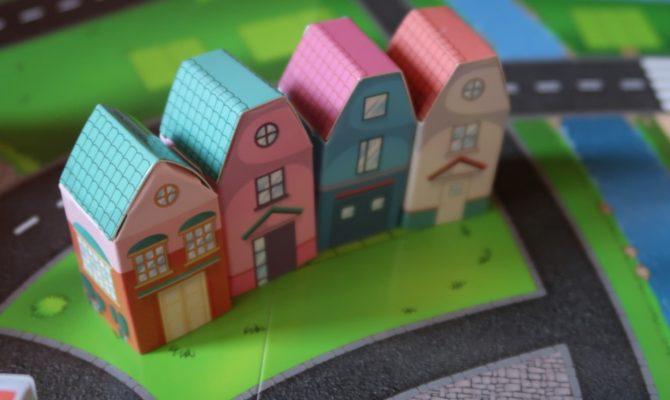 Vă invit în casa noastră roz, din orașul Bunorama
