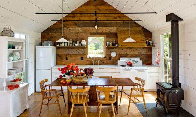 O casa minimalista pentru familia unei arhitecte