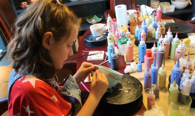 Ați pictat vreodată pe ceramică?