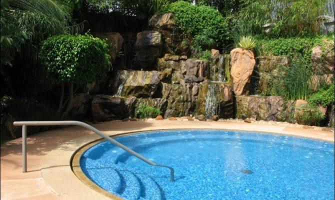 10 lectii invatate de la piscina in vara asta