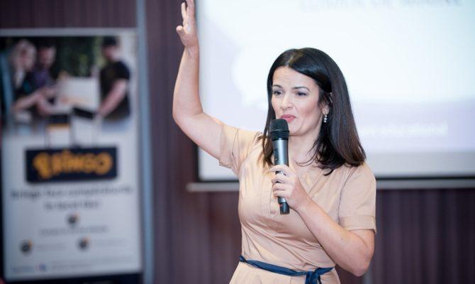 Oana Moraru: Copiii au devenit o liniuță în agenda de lucru a părinților!