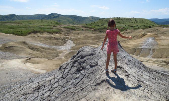 Excursie la Vulcanii Noroiosi. Merita vazuti