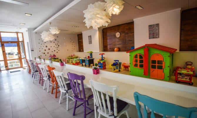 Color Café – un loc de relaxare pentru parinti & copii. Da,da, chiar exista!