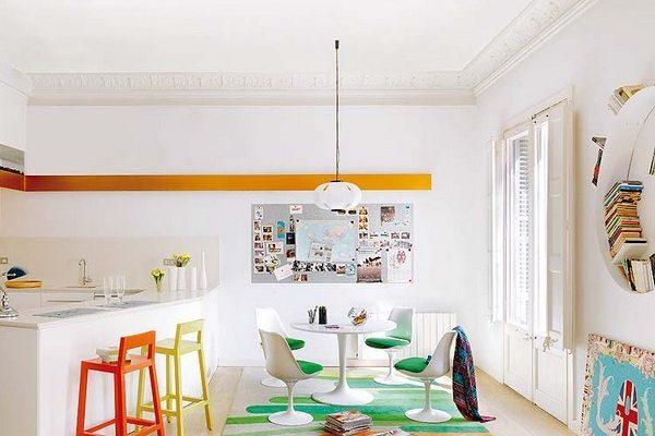 Apartamentul asta din Barcelona e plin de culoare si energie