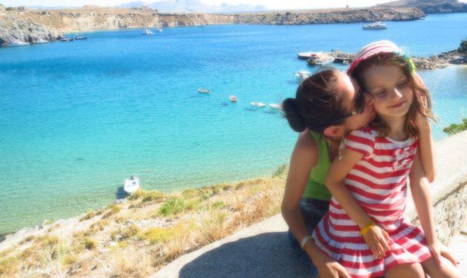 Vacanta in Rhodos. Case de zahar & ape turcoaz