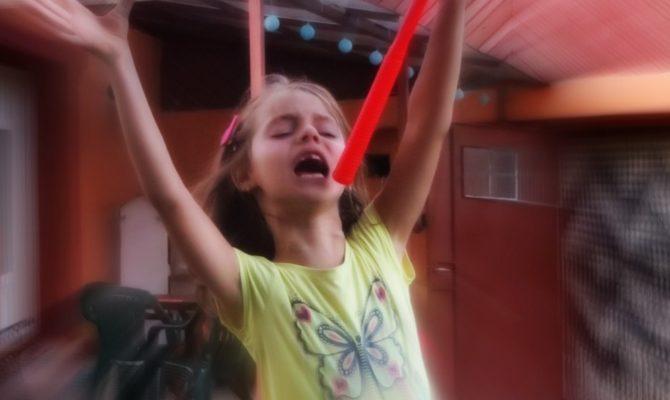 Trebuie sa ducem urgent copilul la cursuri de dans
