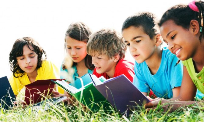 13 cărți de lectură pentru copiii de școală primară