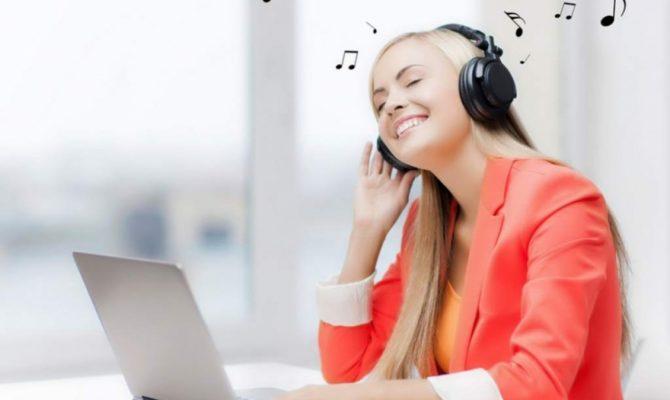E bine sau nu să ascultăm muzică la serviciu?