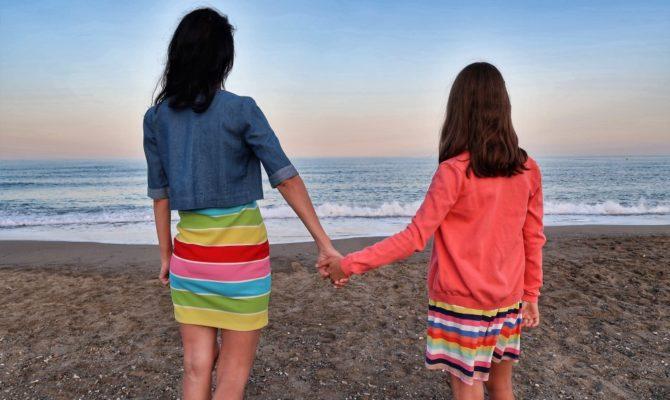 Cine-i ceartă pe părinți, atunci când greșesc