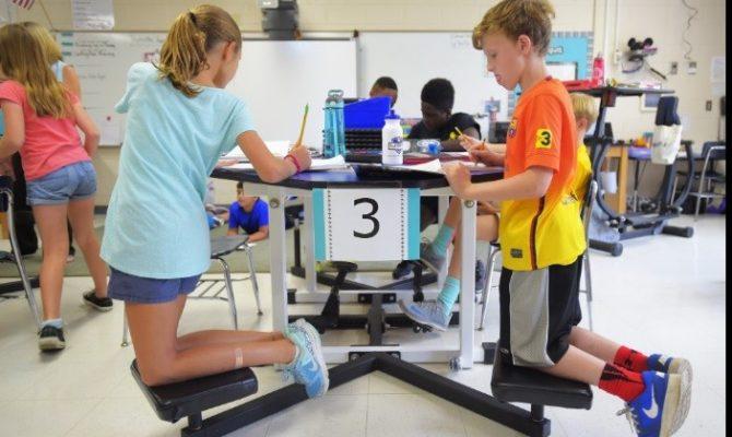 Scoli in care copiii se misca permanent